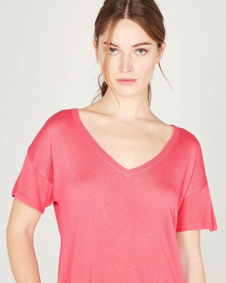 v-neck 1/2 sleeves tee-shirt made of 85% bamboo and 15% Cashmere