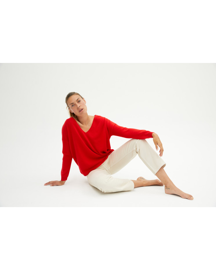 Women's oversized cashmere V-neck sweater long sleeves - pomme d'amour - angèle - absolut cashmere (front)