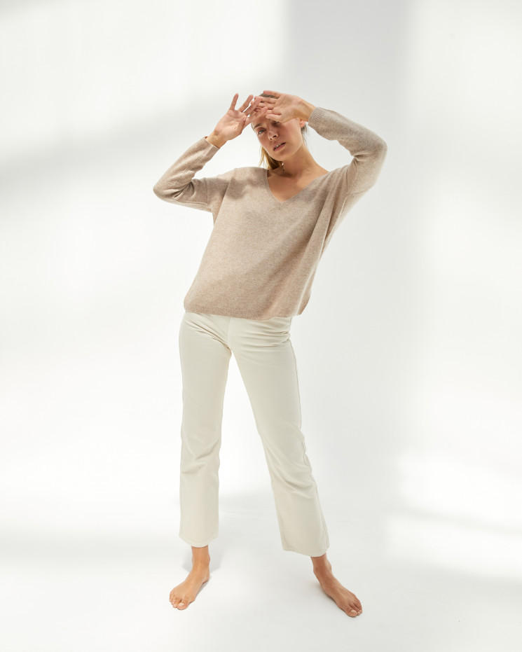 Women's oversized cashmere V-neck sweater long sleeves - taupe chiné - angèle - absolut cashmere (front)