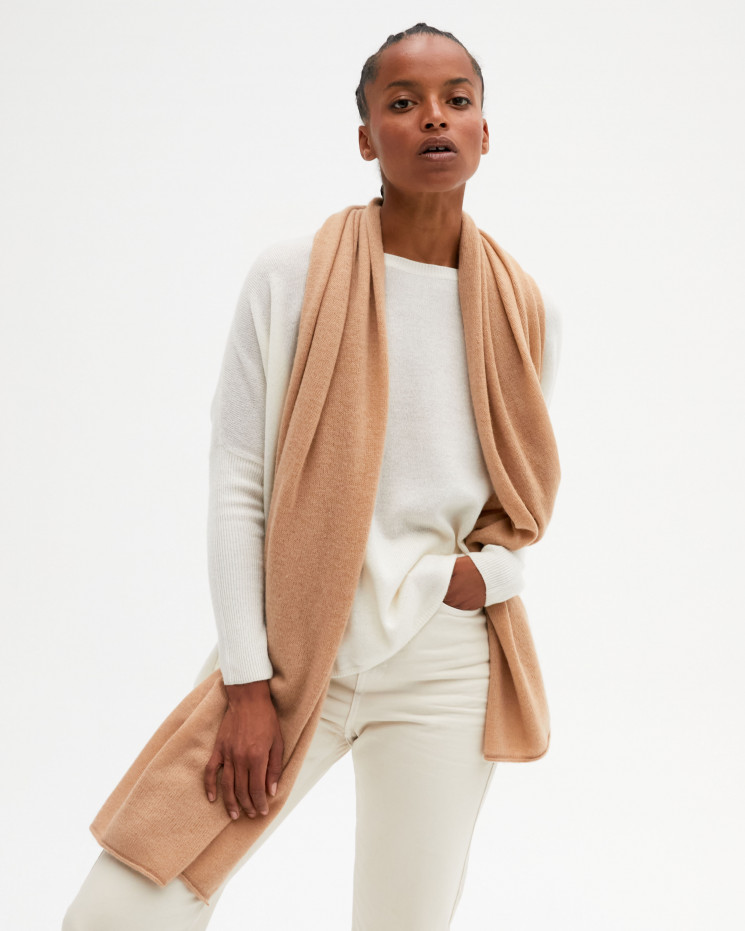Women's cashmere scarf rolled up finishes - camel - anaïs - absolut cashmere (front)