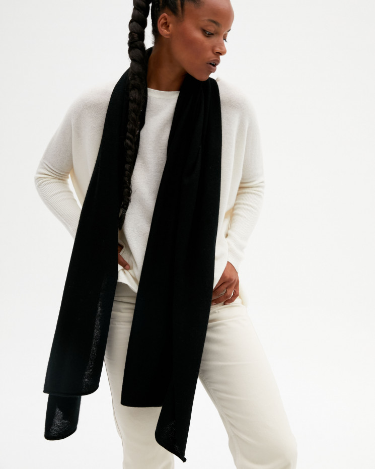 Women's cashmere scarf rolled up finishes - noir - anaïs - absolut cashmere (front)