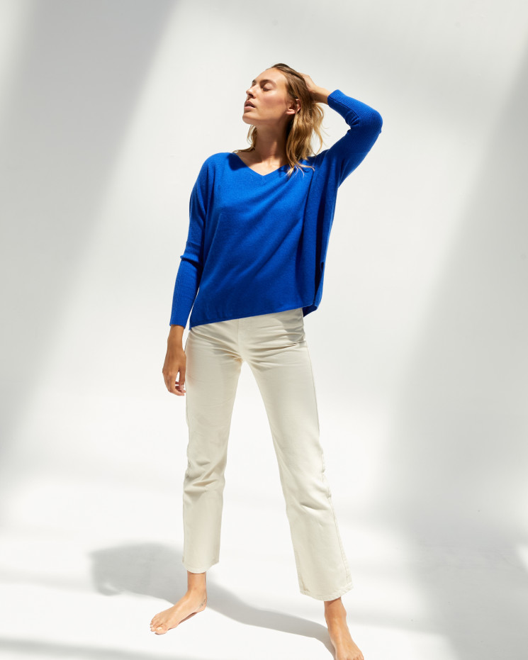 Women's cashmere oversized V-neck sweater long sleeves - cobalt - camille - absolut cashmere (front)