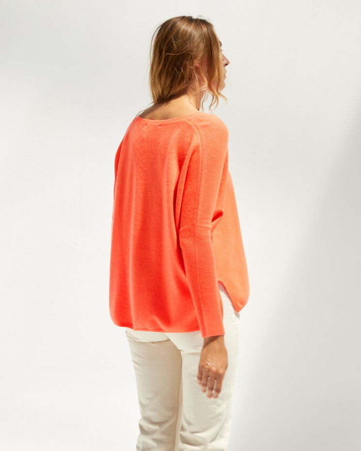 Women's cashmere oversized V-neck sweater long sleeves - corail fluo - camille - absolut cashmere (front)