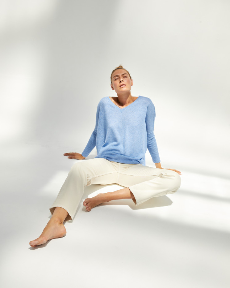 Women's cashmere oversized V-neck sweater long sleeves - écume - camille - absolut cashmere (front)