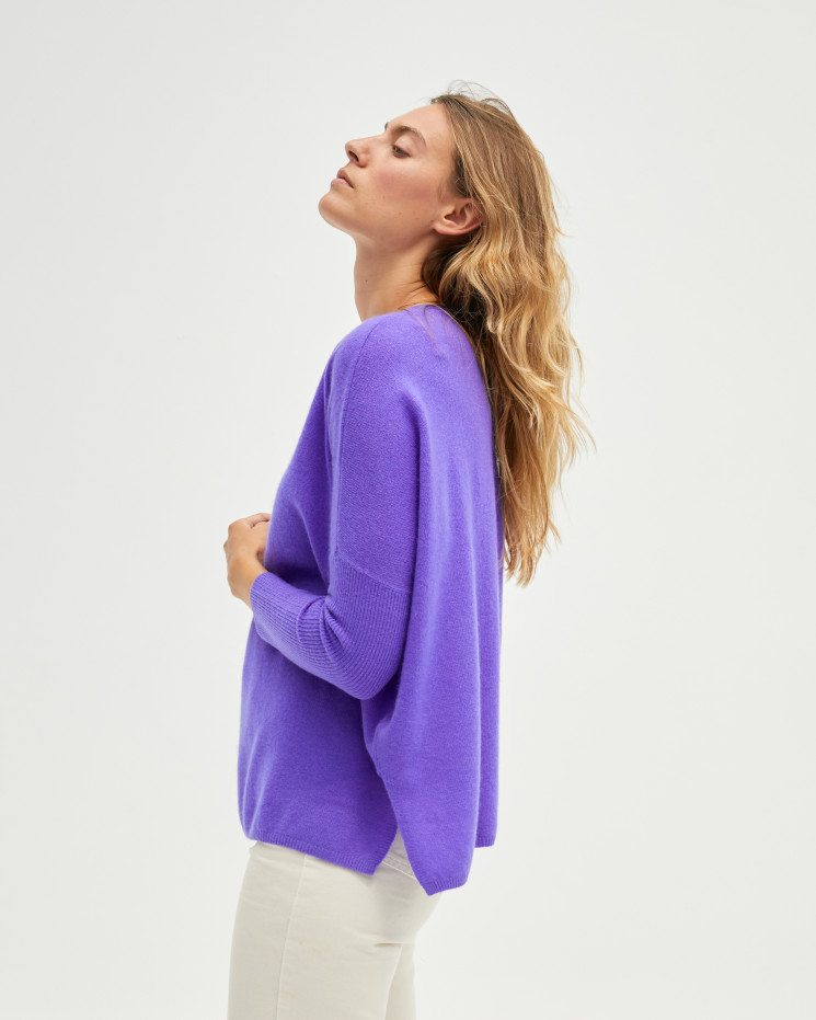 Women's cashmere oversized V-neck sweater long sleeves - licorne - camille - absolut cashmere (front)