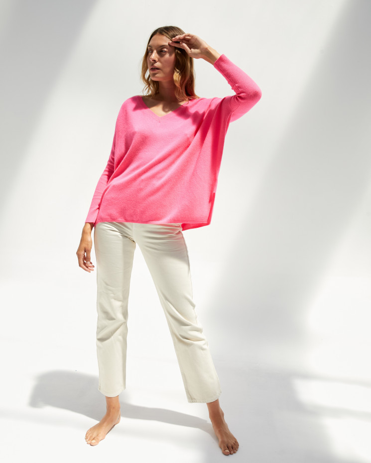 Women's cashmere oversized V-neck sweater long sleeves - rose fluo - camille - absolut cashmere (front 2)