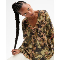 Women's cashmere V-neck poncho long sleeves camo print - kaki finitions corail fluo - nora - absolut cashmere (front)