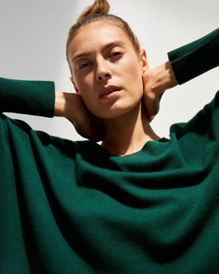 Women's cashmere oversized V-neck sweater long sleeves - forêt - camille - absolut cashmere (front)
